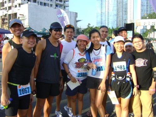 Blogger-runners friends (Jay, Jinoe, Vener, Nora, Cathy)
