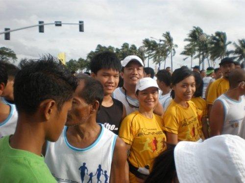 with Manila Family Fun Run participants